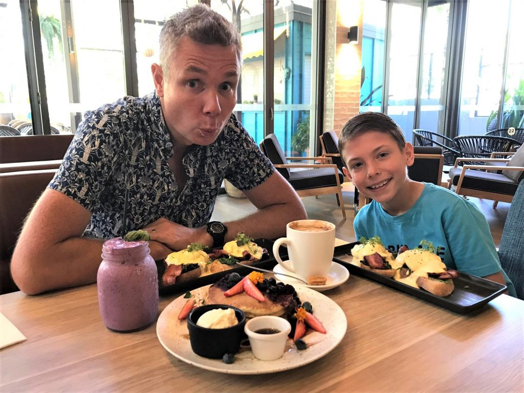 a picture of the original food addicts at the bribie island rsl social cafe