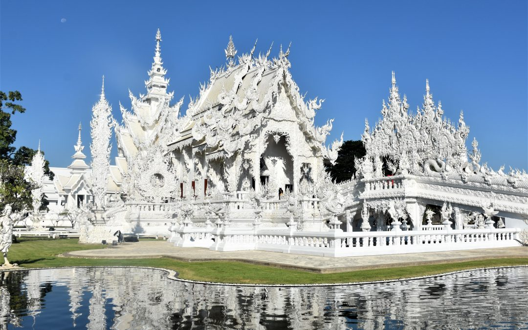 Visiting Wat Rong Khun, the White Temple of Chiang Rai